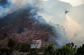 رجال الإطفاء يواصلون مكافحة أضخم حرائق في تاريخ ولاية كاليفورنيا الأمريكية