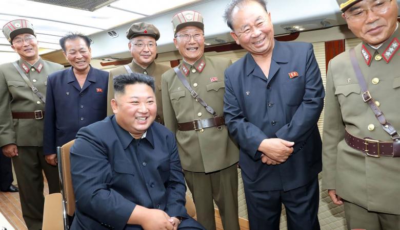 كيم جونغ أون يشرف على تجارب صاروخية جديدة