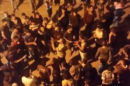 مستوطنون يهاجمون عدة منازل في الخليل خلال مسيرات تدعو لقتل العرب