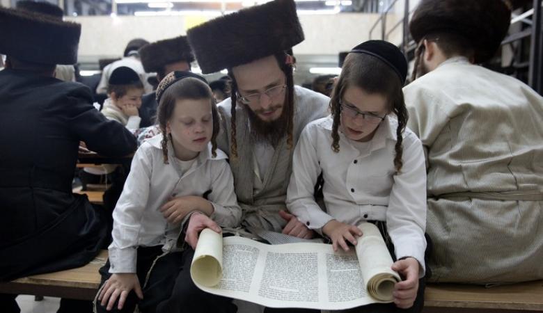 اليهود يبيعون اطفالهم ...فضيحة في اسرائيل ابطالها الحاخامت