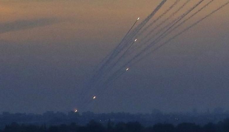 مصادر عبرية : حماس تتعهد بمحاسبة مطلقي الصواريخ