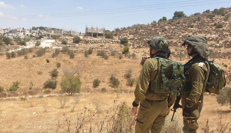 الاحتلال يمنع انشاء مزرعة تربية دواجن وجدران استنادية في بيت لحم