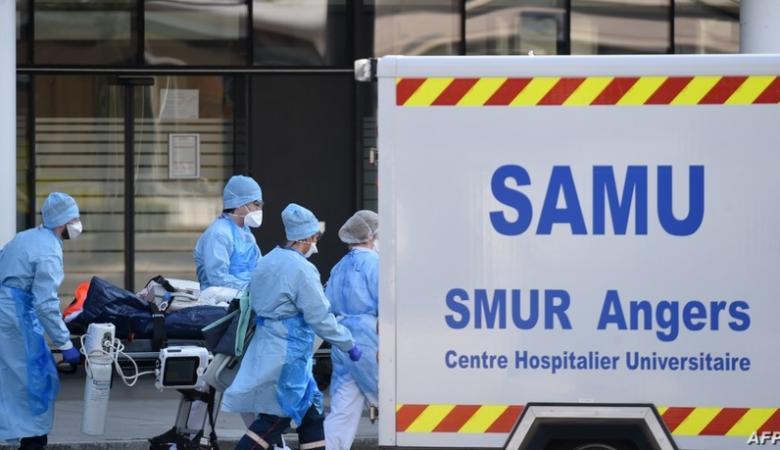 أول حالة بالعالم.. شخص مصاب بسلالتين من كورونا وينقل عدوى الفيروس الأخطر