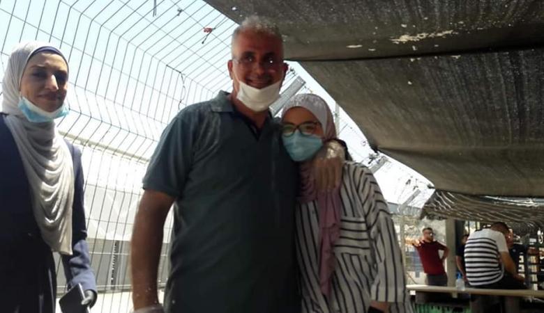 بعد 18 عاما في الأسر: الاحتلال يفرج عن الأسير أمجد قبها من بلدة برطعة في جنين