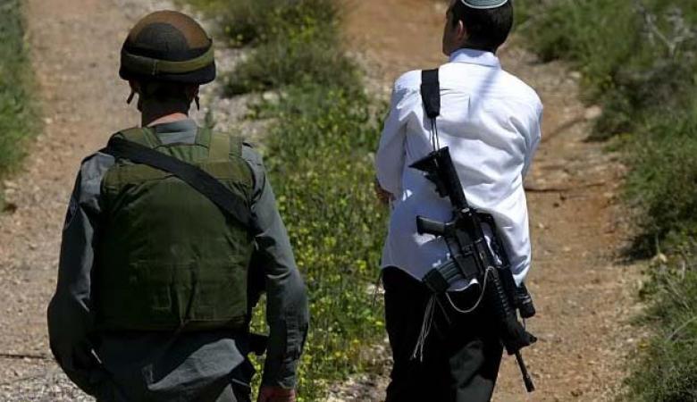 مستوطن يدهس عامل فلسطيني في مدينة الخليل (صورة )