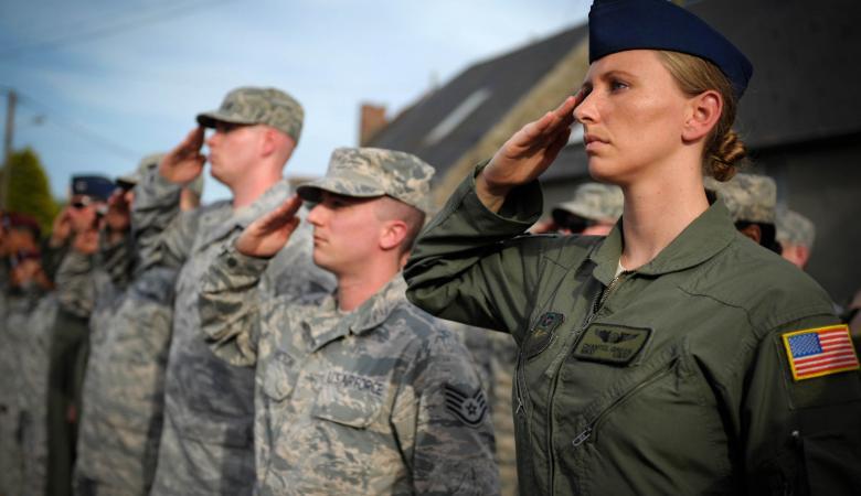 فضيحة ..ضابطة في سلاح الجو الأمريكي تنشق وتهرب الى ايران