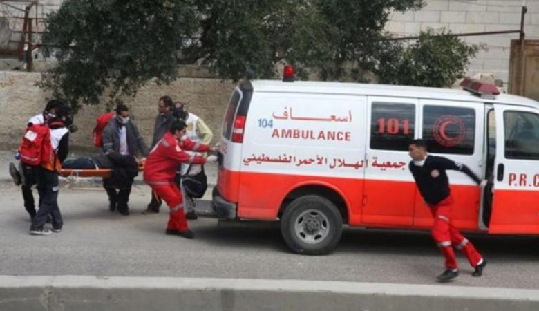 فلسطيني يلقي طفلته من الطابق الثالث