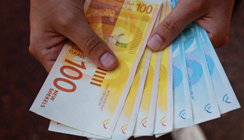 """القطاع الخاص: توزيع 4 ملايين شيكل من """"وقفة عز"""" قريبا"""