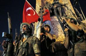 636166308750347052-AP-APTOPIX-Turkey-Military-Coup