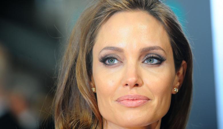 انجلينا جولي : الصراعات حول العالم الهمتني بالعديد من الأفلام