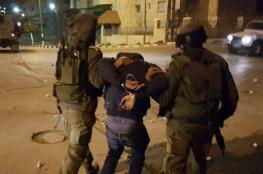 الاحتلال يعتقل 13 مواطنا من الضفة الغربية