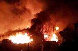 حريق ضخم يلتهم مجمع مفروشات مؤلف من طبقات في نابلس