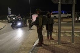 مسلحون يطلقون النار من سيارة مسرعة على نقطة لجيش الاحتلال جنوب نابلس