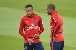 باريس سان جيرمان يتخلى عن ثمانية لاعبين من أجل نيمار ومبابي
