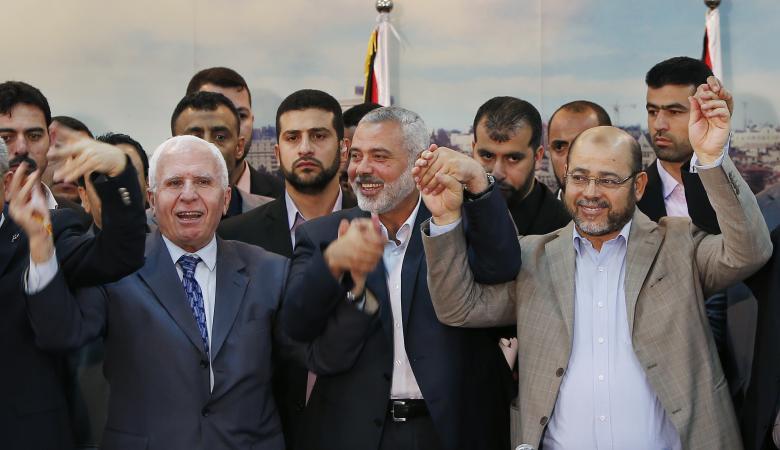 حماس تبدي استعدادها للحوار الفوري مع فتح وحل اللجنة الإدارية