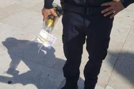 """""""أوقاف القدس"""" تستنكر بشدة إدخال أحد ضباط الاحتلال زجاجة خمر للمسجد الأقصى"""