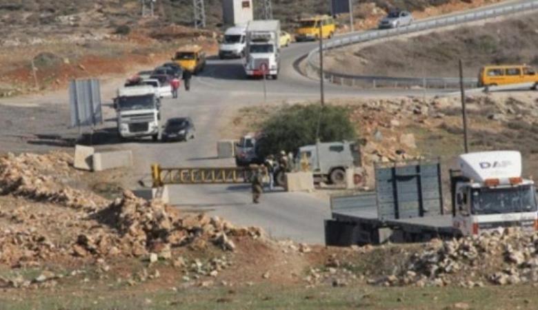 الاحتلال يغلق المدخل الرئيس للنبي صالح شمال غرب رام الله