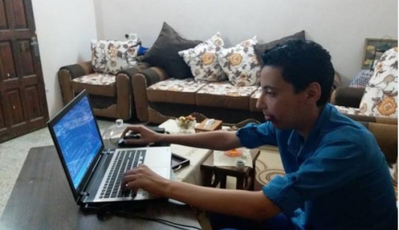 فتى من غزة ينتج ألعاباً احترافية تنافس العالمية