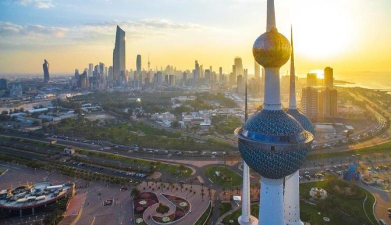 الغاء اقامات 56 الف عامل في الكويت