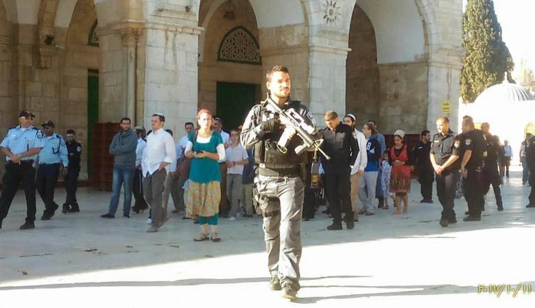أكثر من 200 مستوطن اقتحموا المسجد الأقصى منذ الصباح