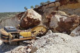 هكذا نجا ابن سائق الجرافة الذي توفي بالانهيار الصخري في طولكرم