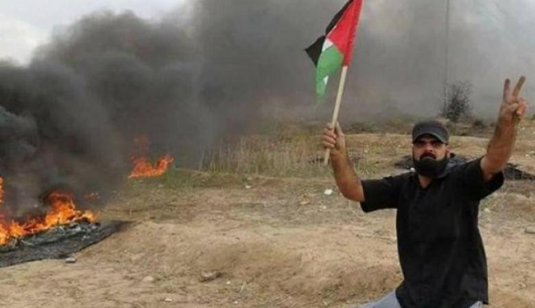 """مركز حقوقي يندد بإغلاق الاحتلال ملف المُقعد """"أبو ثريا"""""""