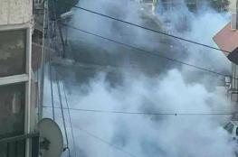 مواجهات عنيفة واصابات  في ابو ديس واخلاء للمدارس