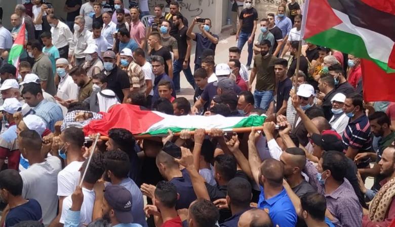 جماهير غفيرة تشيع جثمان الشهيد إبراهيم أبو يعقوب