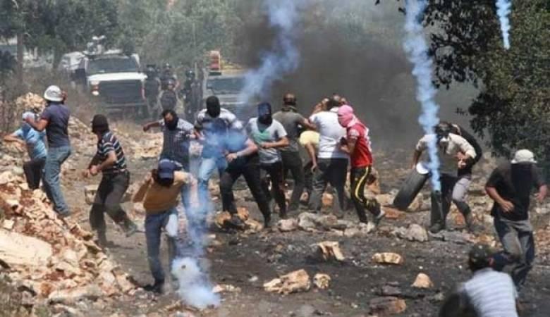 الاحتلال يقمع المسيرات السلمية في الضفة  الغربية