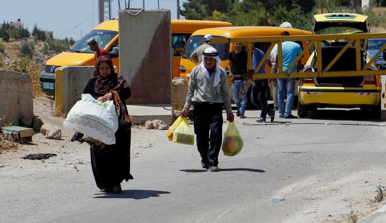 """""""إسرائيل"""" ترفع الاغلاق الشامل عن الأراضي الفلسطينية"""