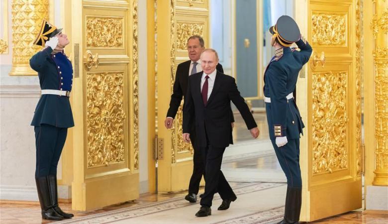 بوتين يشرع عقوبات تصل الى 7 سنوات لكل من يخرق الحجر الصحي