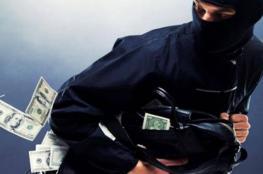 الشرطة تكشف تفاصيل أولية عن سرقة 120 الف شيكل من داخل شركة في نابلس