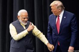 ترامب يبدأ زيارة للهند وجماهير حاشدة في انتظاره