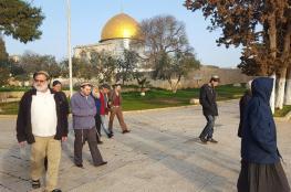 عشرات المستوطنين يقتحمون باحات المسجد الأقصى صباح اليوم
