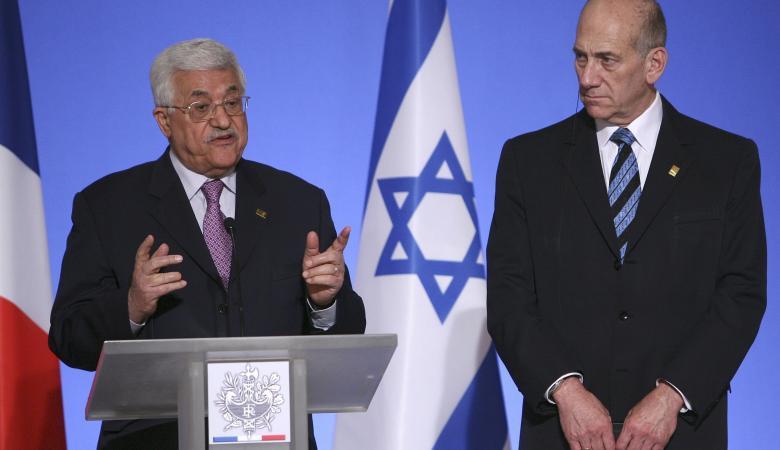 """اولمرت : الرئيس عباس هو الشريك """"الوحيد """"الذي يمكنه تحقيق السلام"""