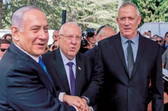 صحيفة: غانتس يسير على خطى نتنياهو