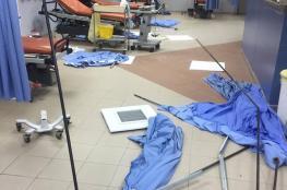 """الشرطة تكشف تفاصيل قيام مواطنين بتحطم غرفة الطوارئ بمستشفى """"رام الله """""""
