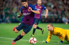 مدرب برشلونة يدرس حلا لتعويض غياب سواريز
