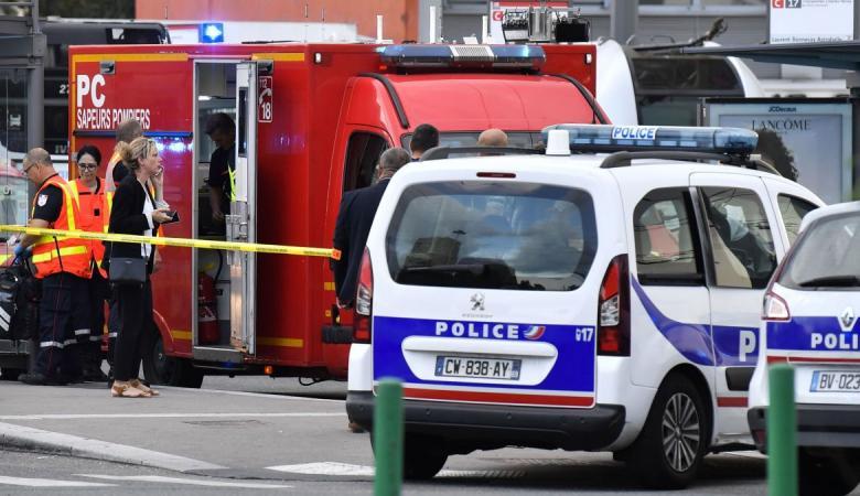 """فرنسا : اصابات في هجوم طعن قرب مقر مجلة """"شارلي ايبدو """""""
