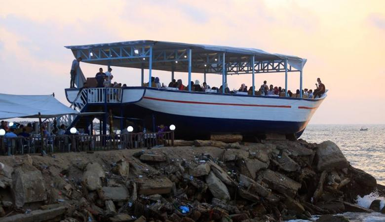 """هذه قصة سفينة """"لولو روز """" التي جذبت اهالي قطاع غزة"""