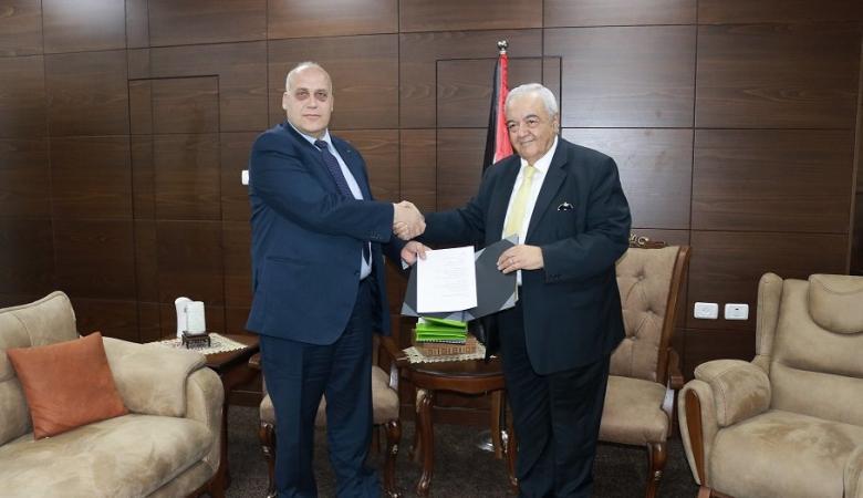 أبو شهلا : وزارة العمل تمتلك الآن خطة عمل لتحقيق العدالة الاجتماعية للعمال
