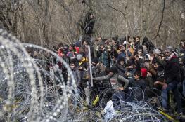 آلاف السوريين يواصلون التدفق إلى الحدود التركية اليونانية