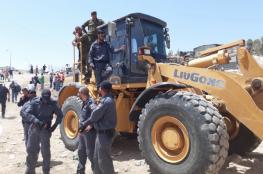 جرافات الاحتلال تهدم 6 محال تجارية في القدس