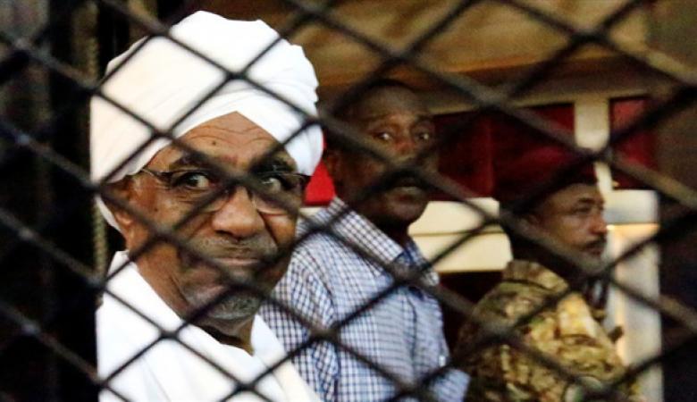 أول تعليق لعمر البشير على حكم حبسه