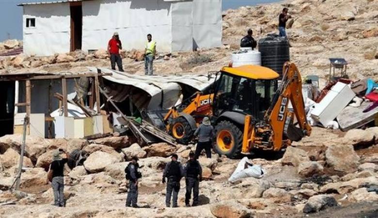 الاحتلال يهدم مسكنين وبركسا زراعيا جنوب شرق القدس