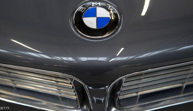 """سرق سيارة """"BMW"""" فوقع في الفخ"""