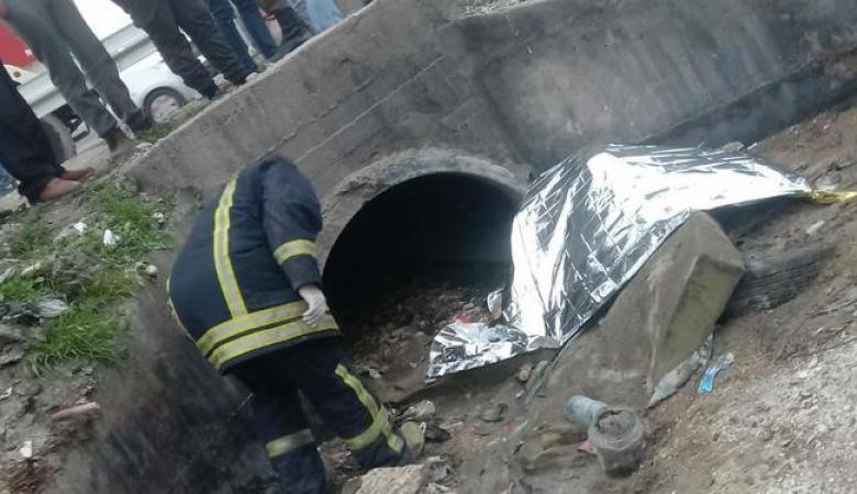 شاهد ...العثور على جثة مواطن على الطريق العام في بلدة عناتا