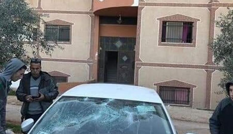 مستوطنون يهاجمون مركبات المواطنين بالحجارة شمال سلفيت
