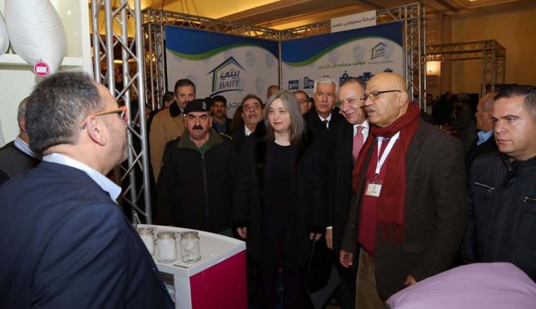 معايعة تفتتح المعرض الأول للصناعات الوطنية الفندقية