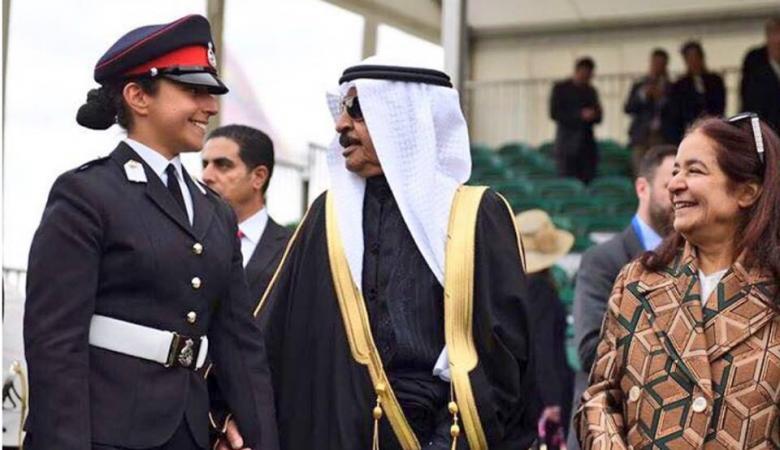 بحرينية تحقق إنجازاً عسكرياً غير مسبوق كأول إمرأة في بلادها تقود طائرة قتالة